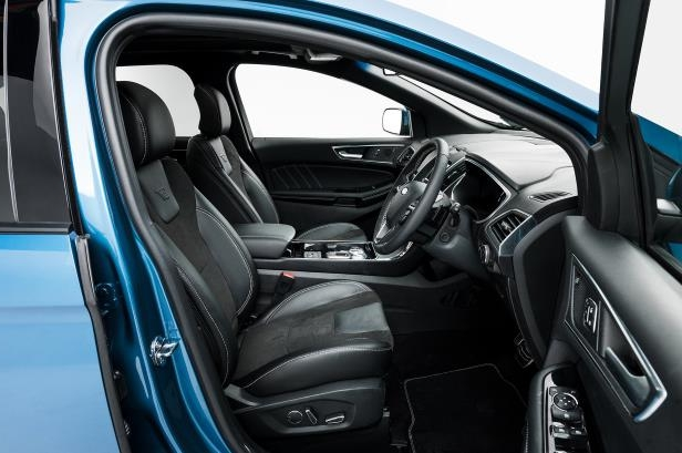 Slide 38 of 61: 2019-Ford-Edge-ST-front-interior-seats-02.jpg