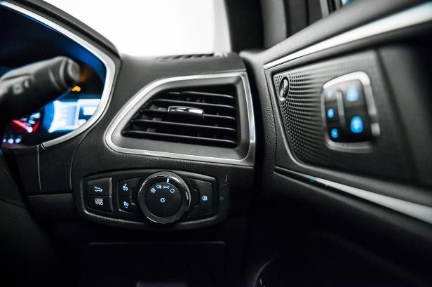 Slide 49 of 61: 2019-Ford-Edge-ST-drivers-side-controls.jpg