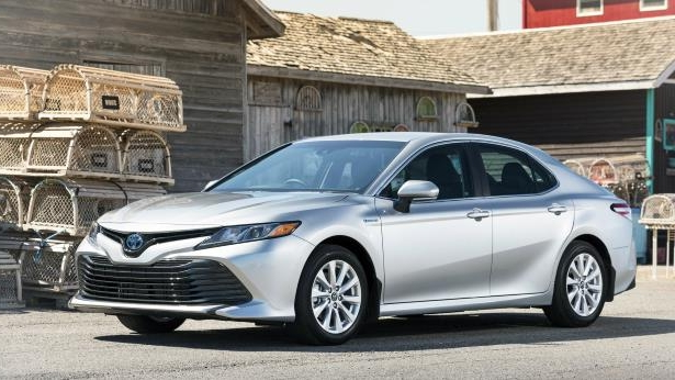 2018 Toyota Camry Hybrid review: Toyota Camry Hybrid main