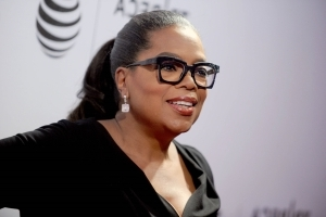 Democrats nominate Oprah by acclamation