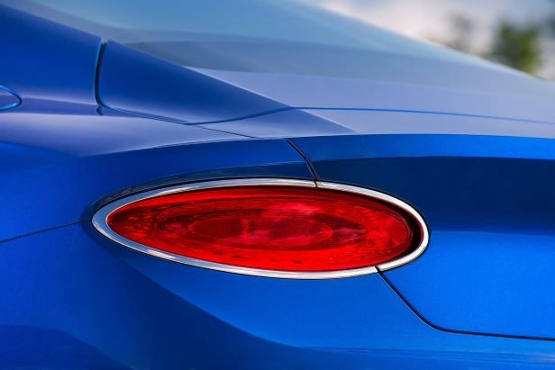 Slide 16 of 36: 2019-Bentley-Continental-GT-tail-lamp.jpg