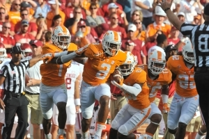 Tennessee's Kelly Jr. hospitalized after altercation with girlfriend