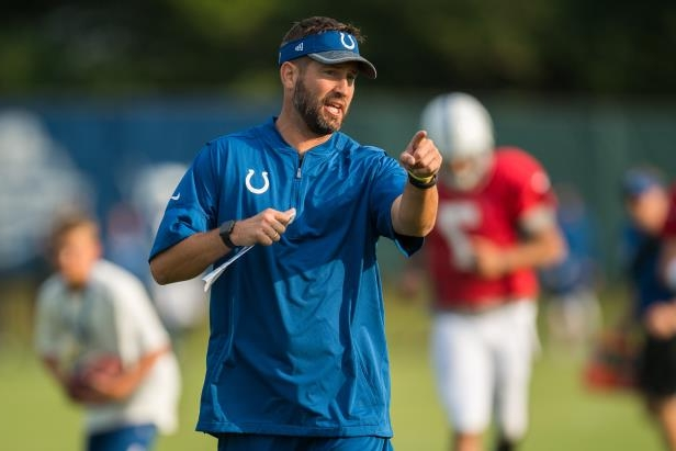 Brian Schottenheimer yells out a play during Colts training camp on Aug. 1, 2017 in Indianapolis.