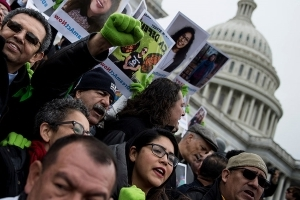 Trump admin resumes accepting DACA renewals after court order