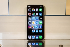 The iPhone X just extended Apple's lead over Samsung