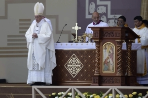 Cardinal rebukes pope over Chile 'slander' comments on abuse