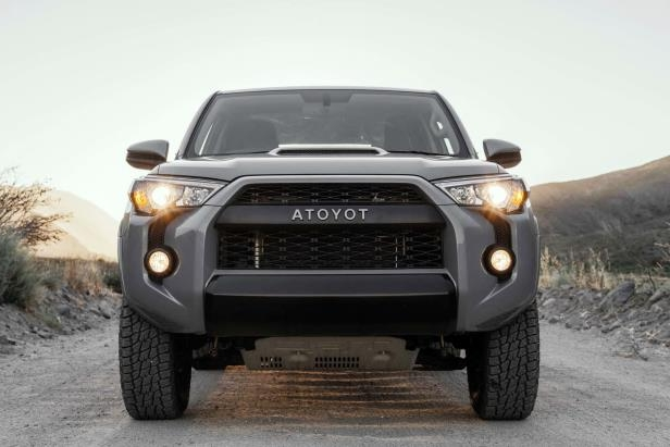 Slide 29 of 87: 2017-Toyota-4Runner-TRD-Pro-front-end-03.jpg