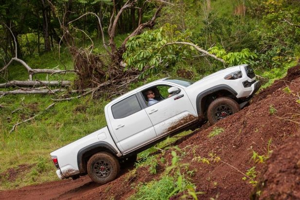 Slide 38 of 87: 2017-Toyota-Tacoma-4x4-TRD-Pro-side-uphill-02.jpg