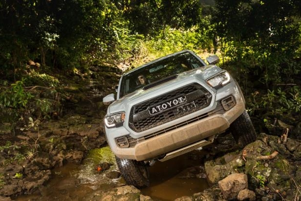 Slide 61 of 87: 2017-Toyota-Tacoma-4x4-TRD-Pro-front-end-off-road-03.jpg