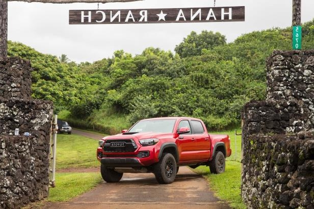 Slide 71 of 87: 2017-Toyota-Tacoma-4x4-TRD-Pro-front-three-quarter.jpg