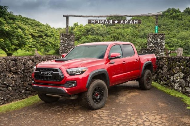 Slide 86 of 87: 2017-Toyota-Tacoma-4x4-TRD-Pro-front-three-quarter-02.jpg