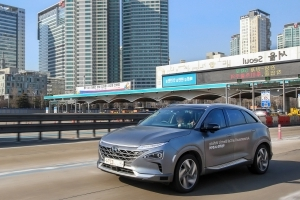 Hyundai's self-driving fuel cell cars complete a record highway trip