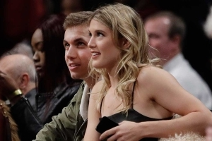 Genie Bouchard goes to Super Bowl with Twitter date