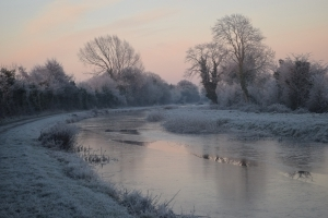 A freezing start to the morning with frost and ice widespread throughout the country