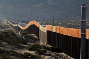 Poll: Majority opposes border wall with Mexico