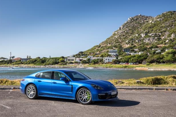 Slide 59 of 93: 2018-Porsche-Panamera-4-E-Hybrid-front-three-quarter-02.jpg