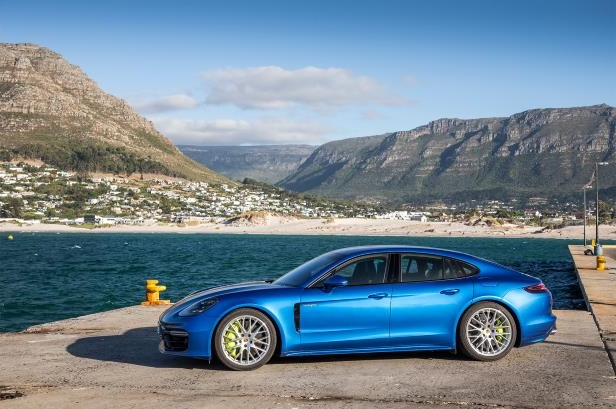 Slide 84 of 93: 2018-Porsche-Panamera-4-E-Hybrid-side-profile-03.jpg