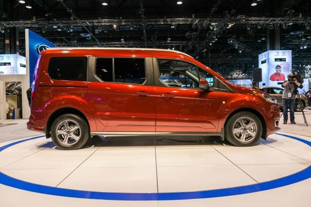 Slide 60 of 70: 2019-Ford-Transit-Connect-Wagon-side-view.jpg