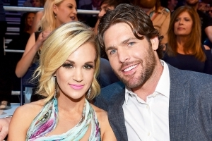 Carrie Underwood Works Out With Son After Breaking Wrist, Injuring Face