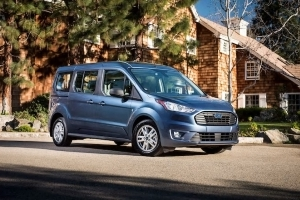 Ford Takes on the Chrysler Pacifica with an Updated Transit Connect Wagon