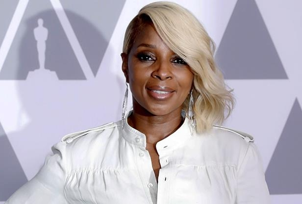 MARY J. BLIGE with collar shirt