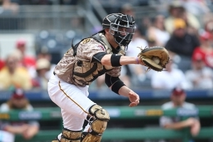 Braves add veteran catcher Chris Stewart on non-guaranteed major-league deal