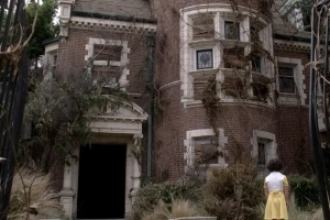 Owners of American Horror Story house sue because it is actually haunted by ghosts