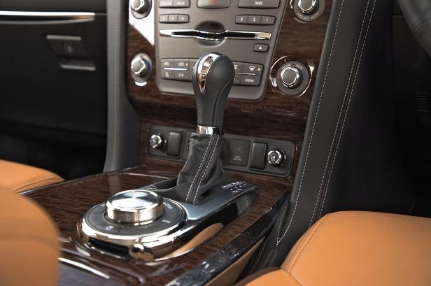 Slide 18 of 184: 2018-Nissan-Armada-Platinum-4WD-shifter-1.jpg