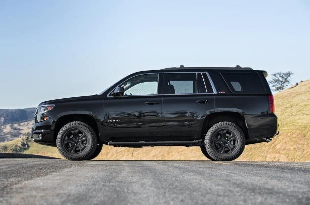 Slide 45 of 184: 2018-Chevrolet-Tahoe-LT-4WD-Z71-side.jpg