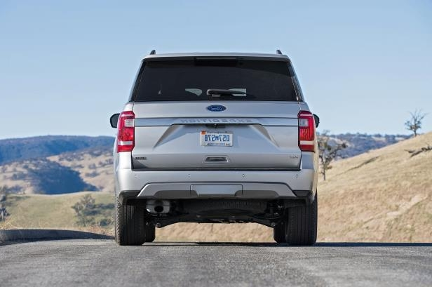 Slide 62 of 184: 2018-Ford-Expedition-XLT-4x4-FX4-rear-1.jpg