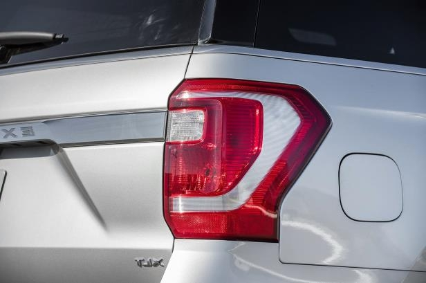 Slide 70 of 184: 2018-Ford-Expedition-XLT-4x4-FX4-taillight-1.jpg