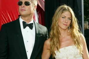 Jennifer Aniston and Brad Pitt Are Both Single and Fans Are Freaking Out!