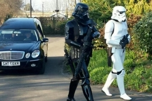 Stormtroopers Lead Funeral Procession for 'Star Wars' Fan