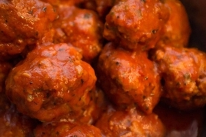 Pennsylvania Man With Red Sauce on His Face Arrested for Meatballs Theft: Cops