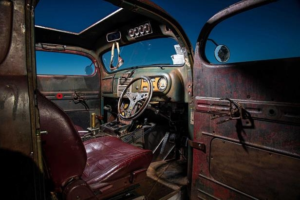 Slide 20 of 39: 1949-ford-f3-pickup-interior.jpg