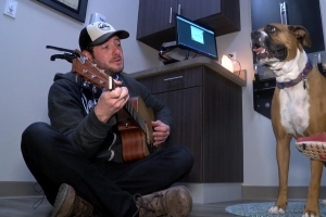Dr. Noah Arnold Sings to Animals to Relax Them Before Procedures