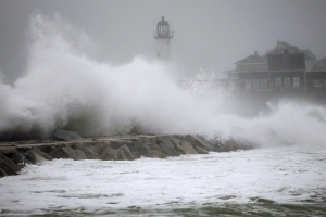 East Coast braces for snow as second Nor'easter looms