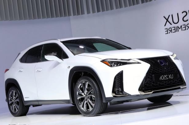 2019-Lexus-UX-front-side-view-on-stage-at-angle.jpg