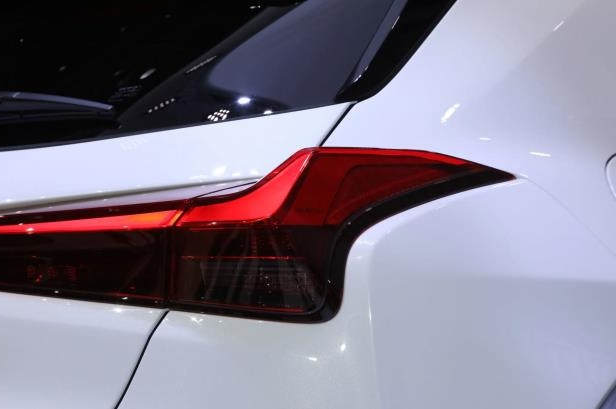 Slide 9 of 56: 2019-Lexus-UX-taillight.jpg