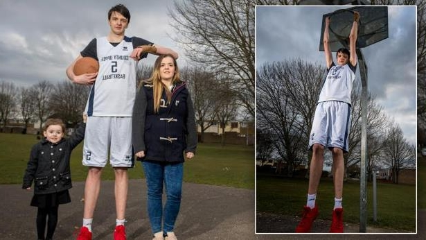 Is This the Tallest Teen in the World? 16-Year-Old Stands at 7 Feet, 4 Inches