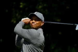 Woods cards 1-under 70 in opening round at Valspar Championship