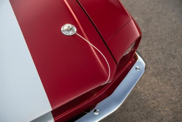 Slide 26 of 50: Shelby-GT-500CR-detail-01.jpg