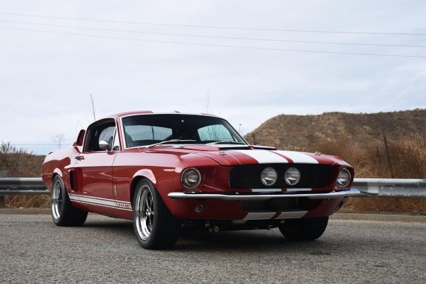 Slide 41 of 50: Shelby-GT-500CR-front-three-quarter-08.jpg