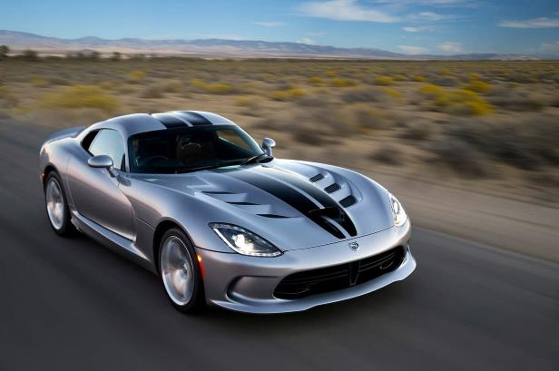 Slide 5 of 24: 2015-Dodge-Viper-SRT-front-three-quarter.jpg