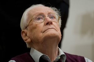 Nazi Oskar Groening, Auschwitz death camp guard, dies at age 96 before starting prison sentence