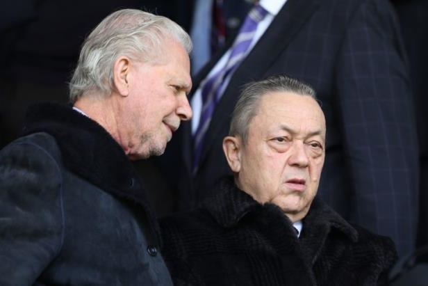 David Sullivan wearing a suit and tie: Mark Robinson/Getty Images Sport