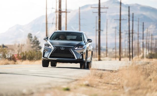 Slide 3 of 24: 2018 Lexus RX350L