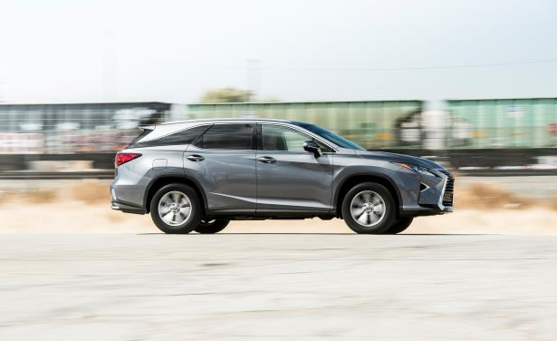 Slide 7 of 24: 2018 Lexus RX350L