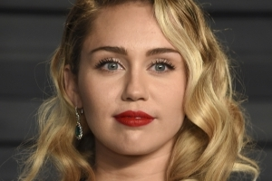 Entertainment: Miley Cyrus accused of ripping off Jamaican dancehall