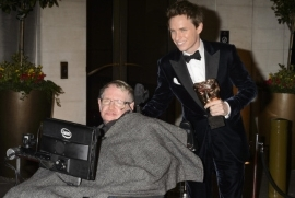 'The Theory Of Everything' Star Eddie Redmayne Praises 'Beautiful Mind' Stephen Hawking